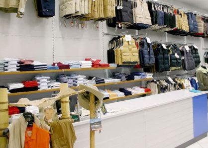 UGP Üzletberendezés ruházati bemutató panelek